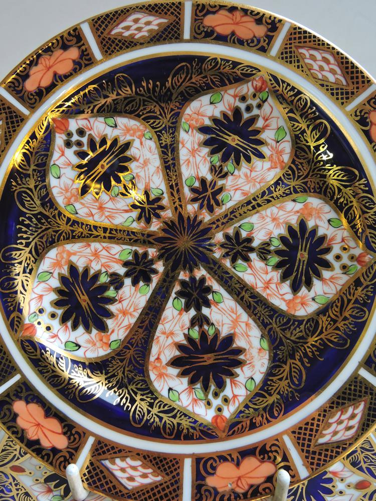 dating royal crown derby plates Get crown derby repair and restoration by  several names including derby, crown derby, and royal crown derby  indian and persian arts on service plates,.