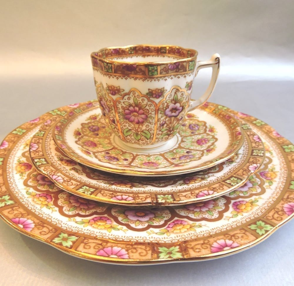 china - royalalbertcourtcoffeeset-01.jpg