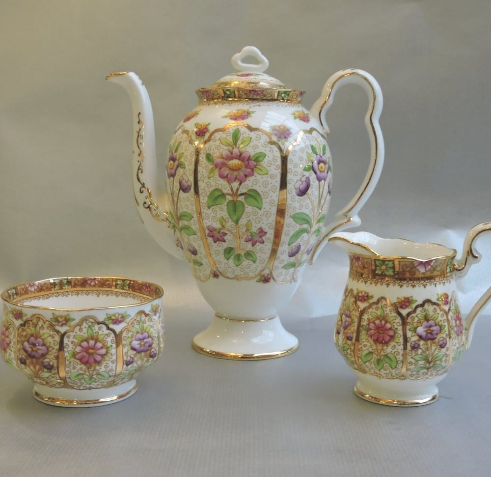 china - royalalbertcourtcoffeeset-05.jpg