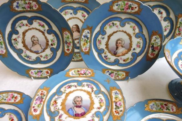 porcelain - frenchdessertsetportraits-03.jpg