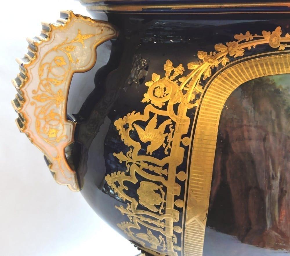 porcelain - largesevresglobevase-11.jpg