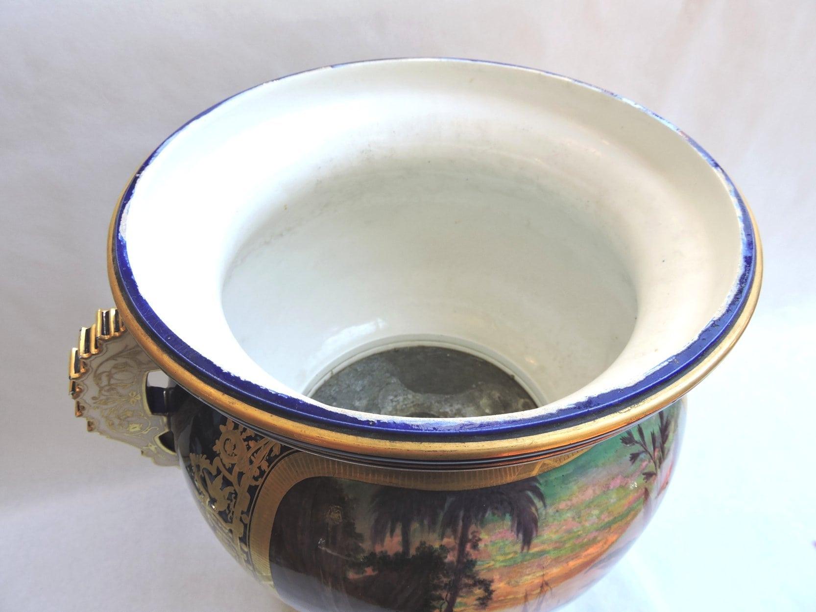 porcelain - largesevresglobevase-12.jpg