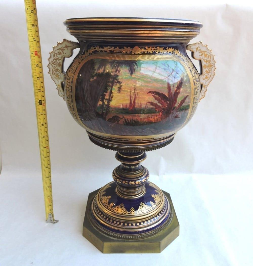 porcelain - largesevresglobevase-13.jpg