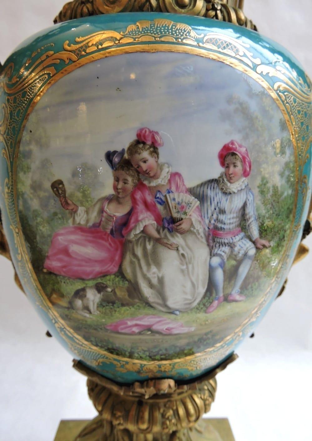 porcelain - pairormolumountedsevresvases-08.jpg