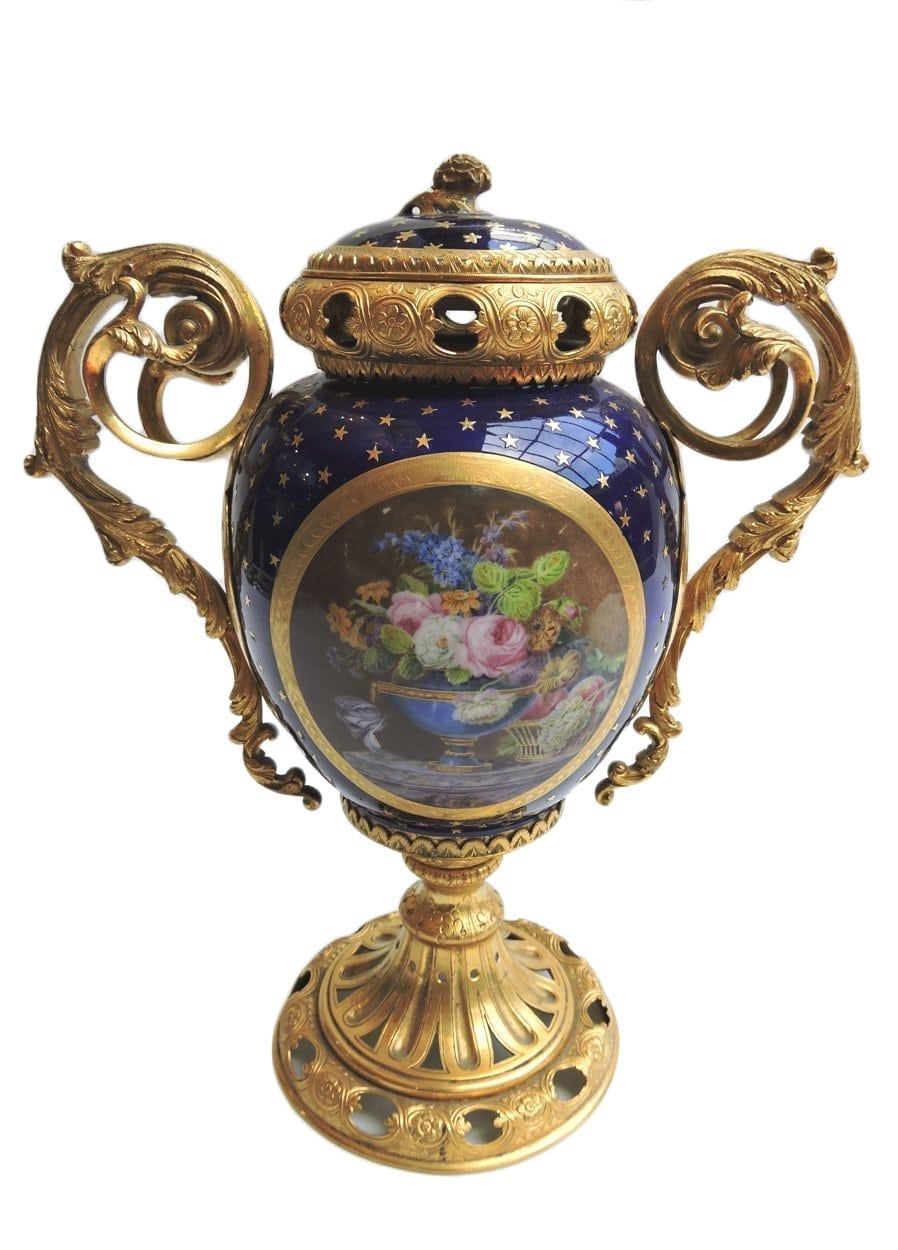 porcelain - smallsevresvase-00-1.jpg