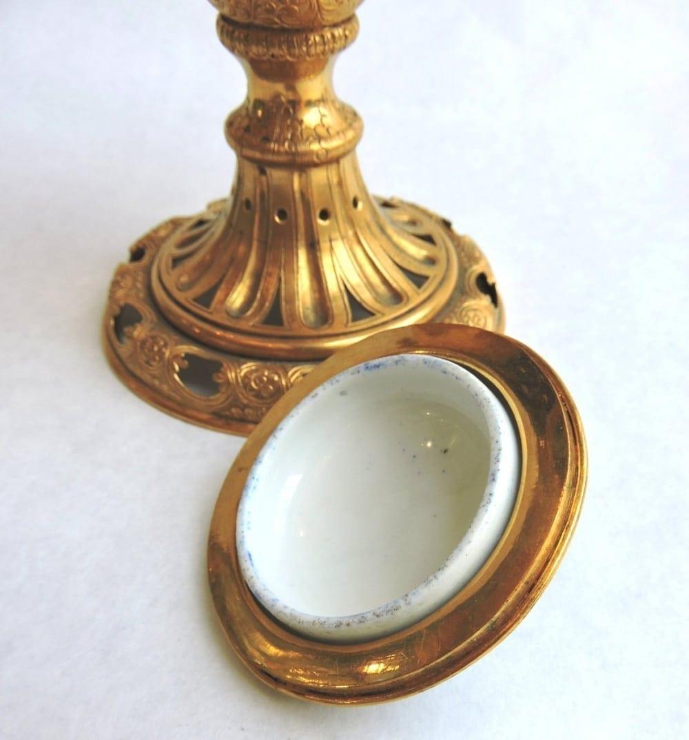 porcelain - smallsevresvase-12.jpg