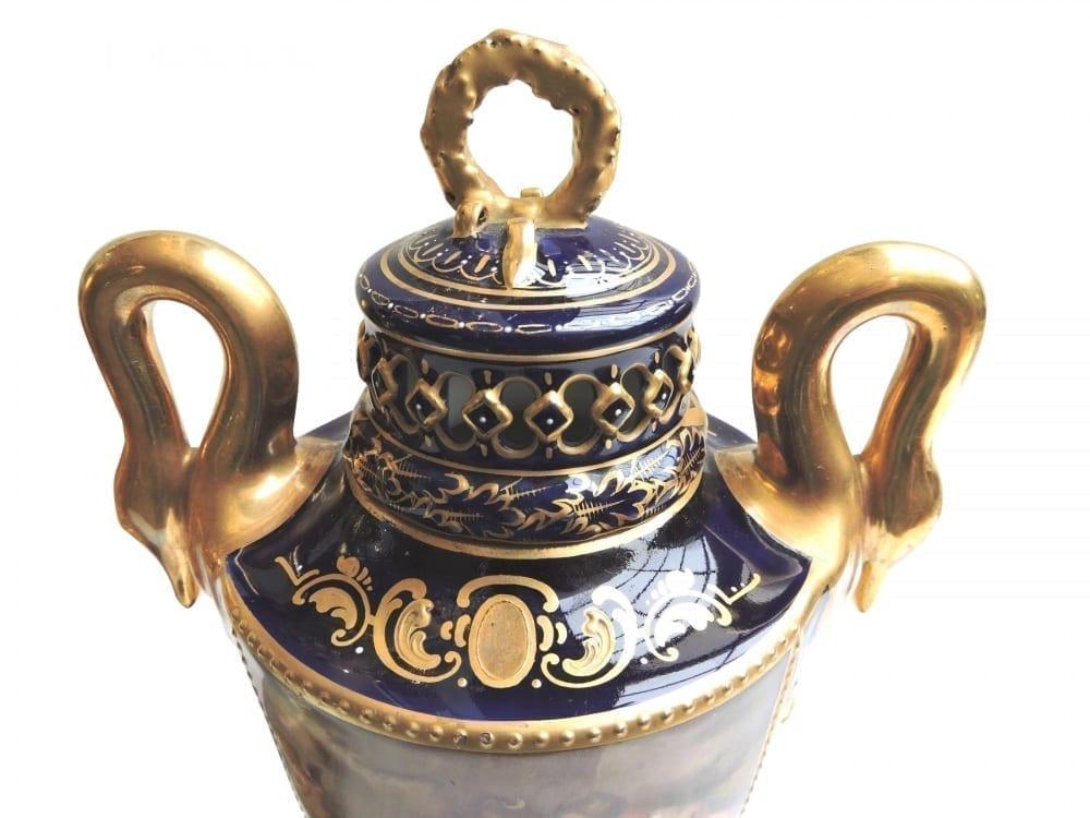 porcelain - viennaurns-02.jpg