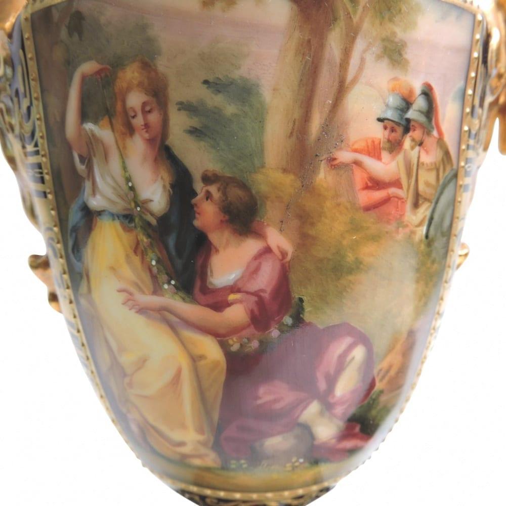 porcelain - viennaurns-04.jpg