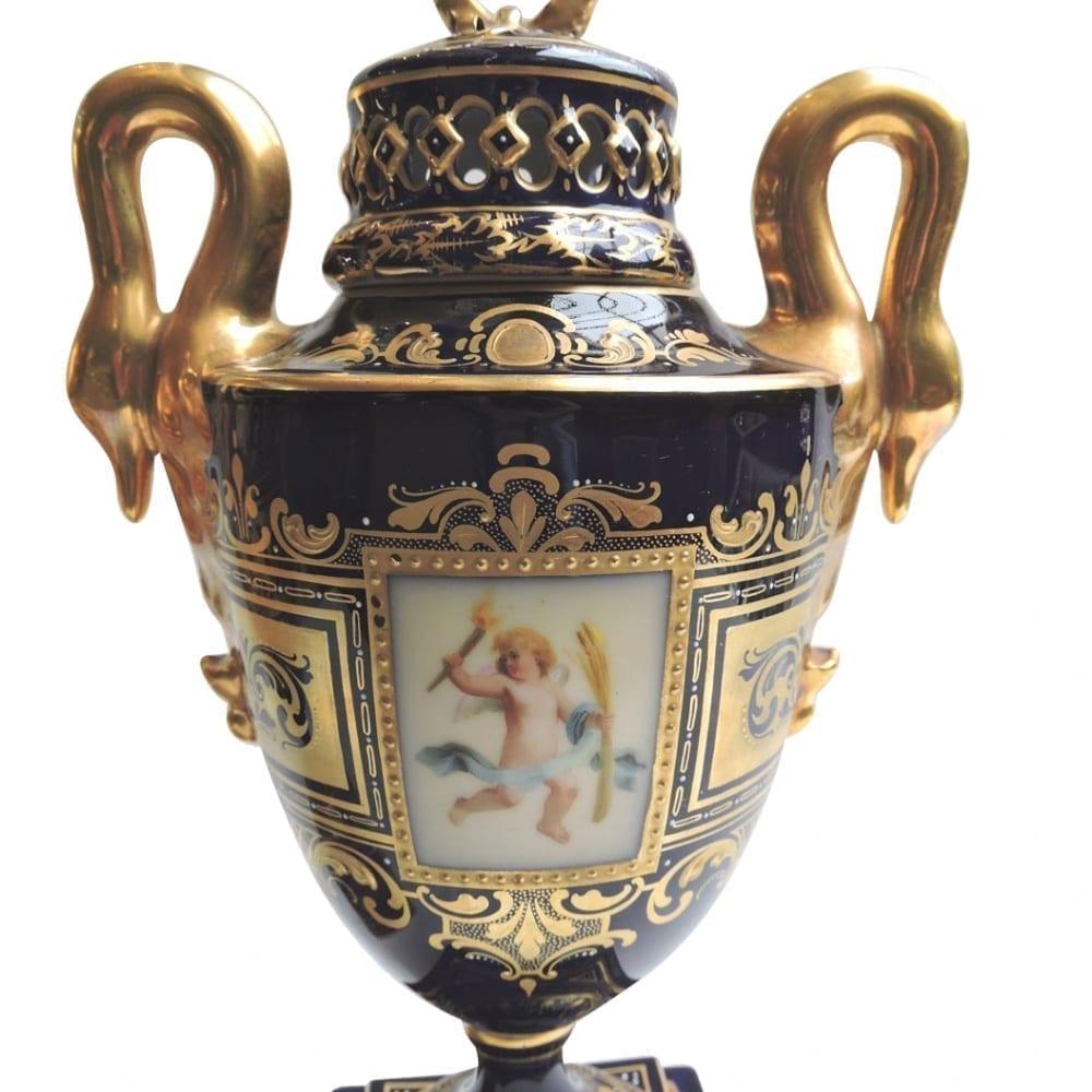porcelain - viennaurns-09.jpg