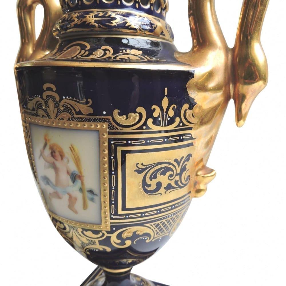 porcelain - viennaurns-11.jpg