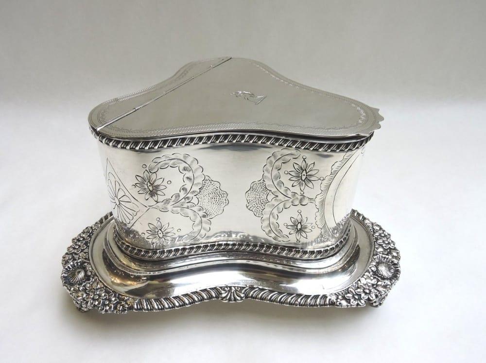 silver - sheffieldbiscuitbarrel-02.jpg