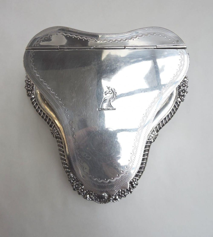 silver - sheffieldbiscuitbarrel-07.jpg