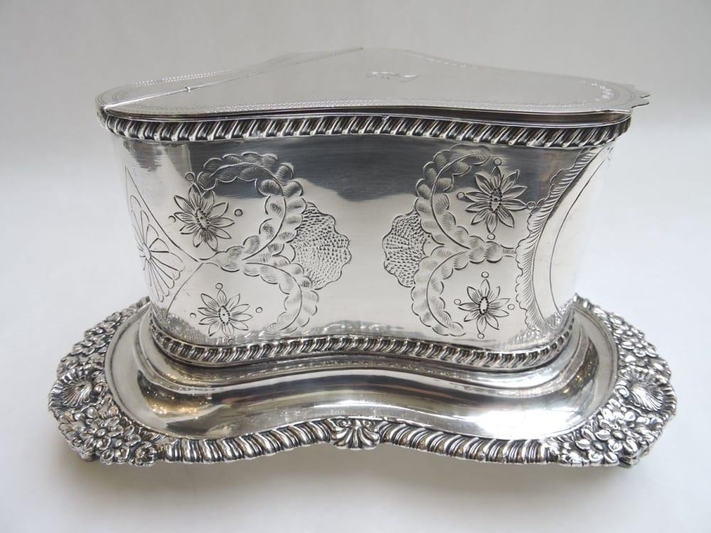 silver - sheffieldbiscuitbarrel-09.jpg