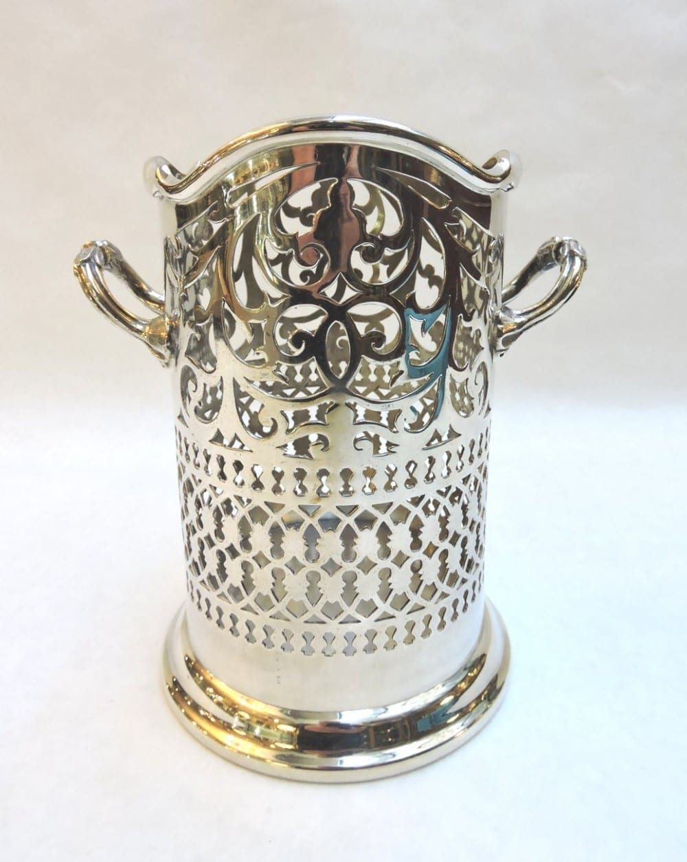 silver - tallplatedwinecoaster-00.jpg