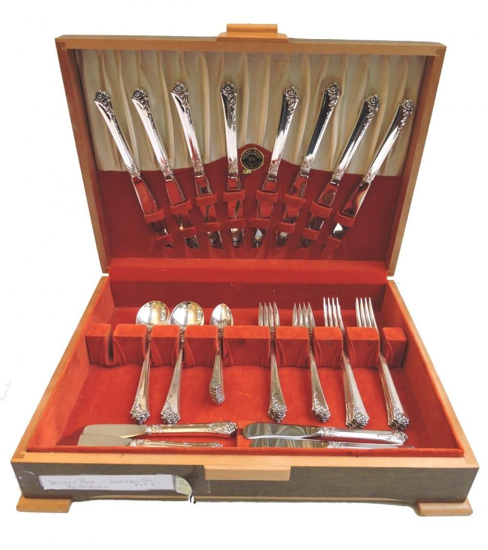silverflatware - damaskroselunchset8-00.jpg