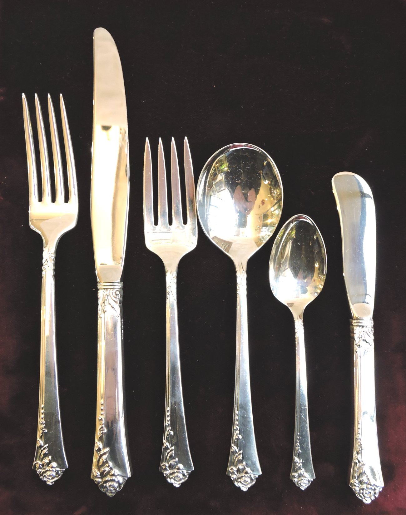 silverflatware - damaskroselunchset8-04.jpg