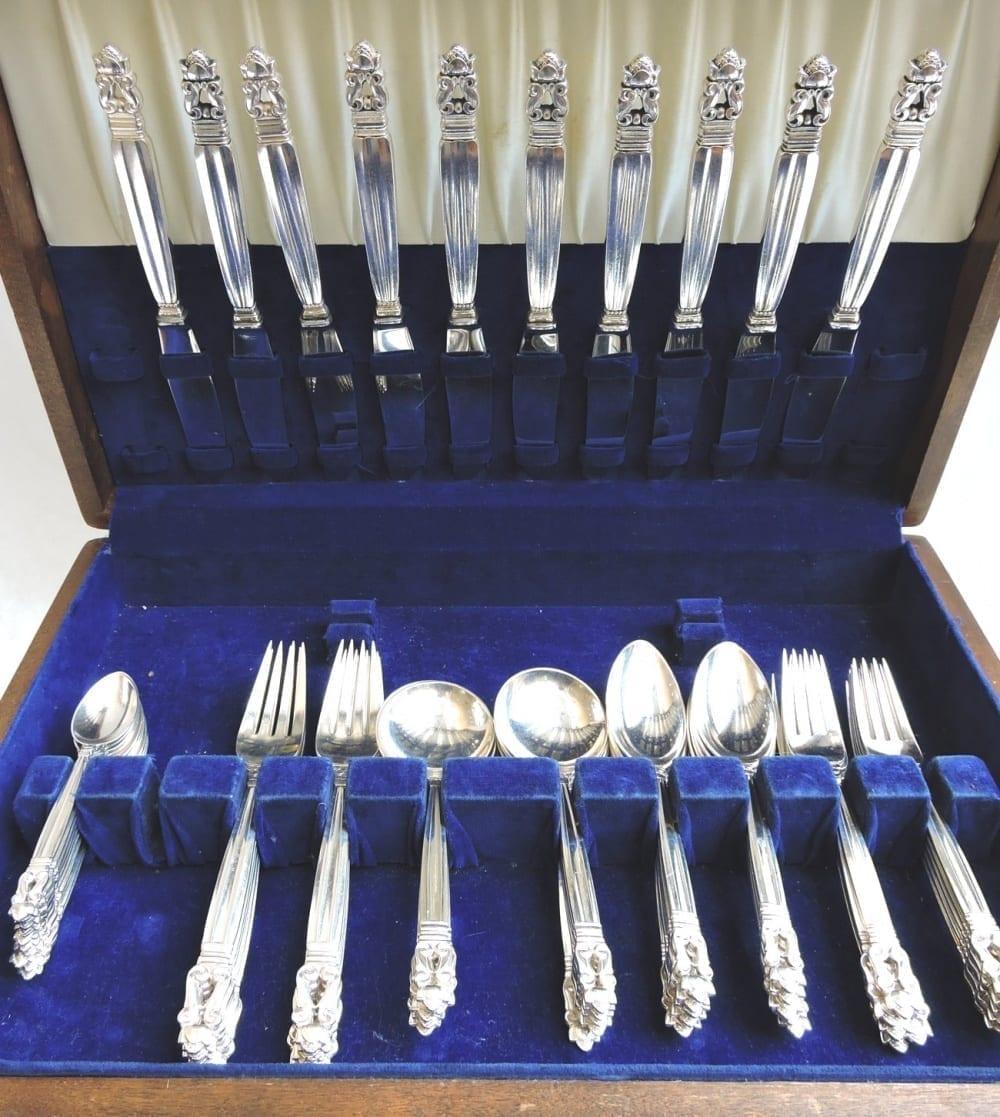 silverflatware - jensenacornsterlingset10-01.jpg