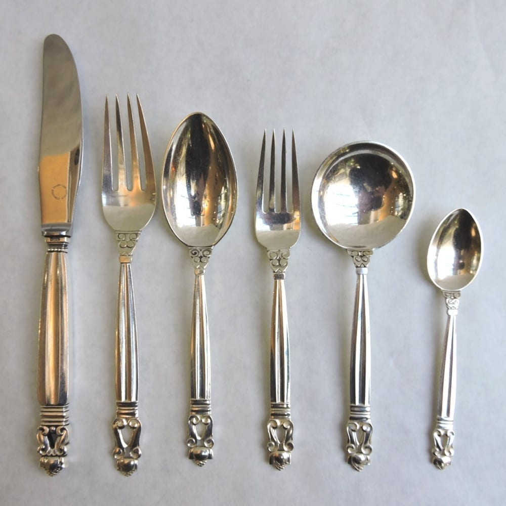 silverflatware - jensenacornsterlingset10-04.jpg