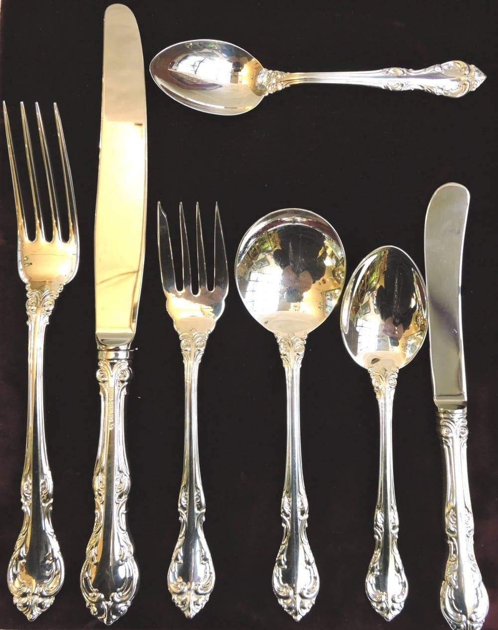 silverflatware - laurentiandinnerset12-05.jpg